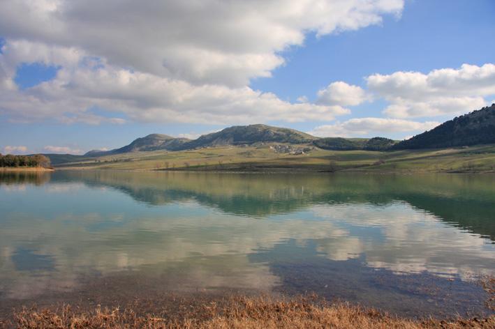 Mari fiumi laghi e montagne della sicilia for Disegni di laghi
